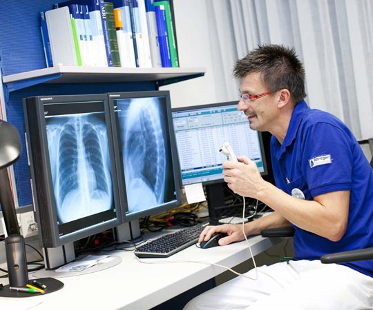 BIC.at - Facharzt/-ärztin (Radiologie)